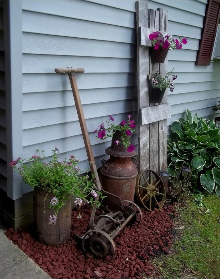 11 Vintage Garden Decor Creative Ideas
